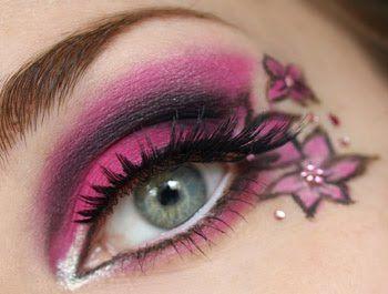 *Beautiful Pink Flowers Eye Makeup*